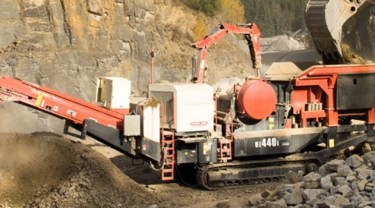 UJ440i Mobile Jaw Crusher
