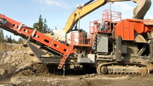 UJ640 Tracked Jaw Crusher