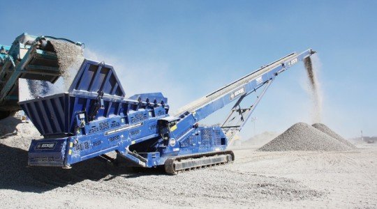 Low-Level Feeder Tracked Stacker
