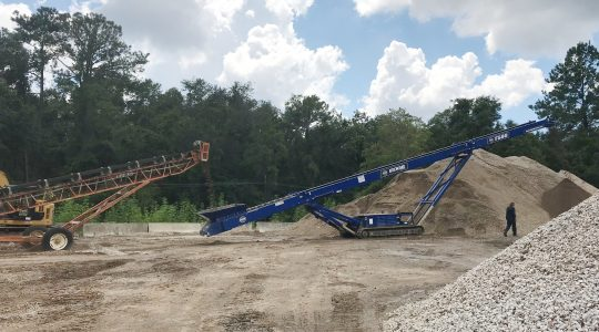 EDGE TS TRACKED STACKER SERIES