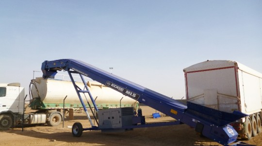 Mini Loader Stockpiler